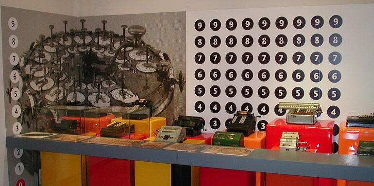 sala delle calcolatrici meccaniche a Mateureka